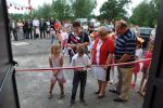 foto: Uroczystość otwarcia świetlicy w Makowicach - przecięcie wstęgi