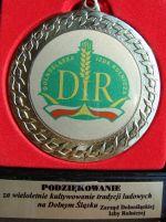 fot.: Odznaka - podziękowanie Dolnośląskiej Izby Rolniczej dla zaesp. Kądziołeczka