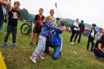 foto: mpreza sportowa dla dzieci w Pogorzale - strzelanie z łuku