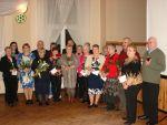 foto: Członkowie Klubu Starszaka z Grodziszcza oraz przedstawiciele władz Gminy Świdnica