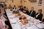 foto: KGW w Lutomi oraz władze Gminy Świdnica podczas spotkania wigilijnego